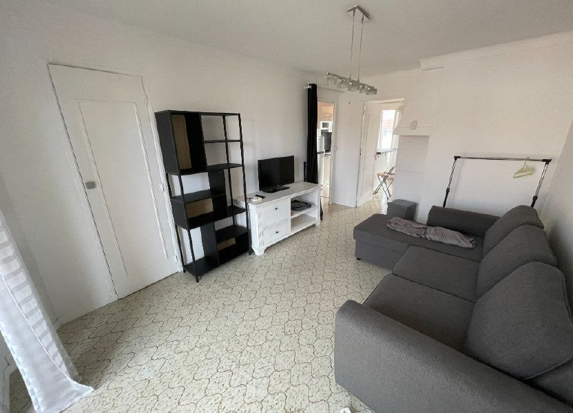 Appartement à louer 53.01m2 à Antibes