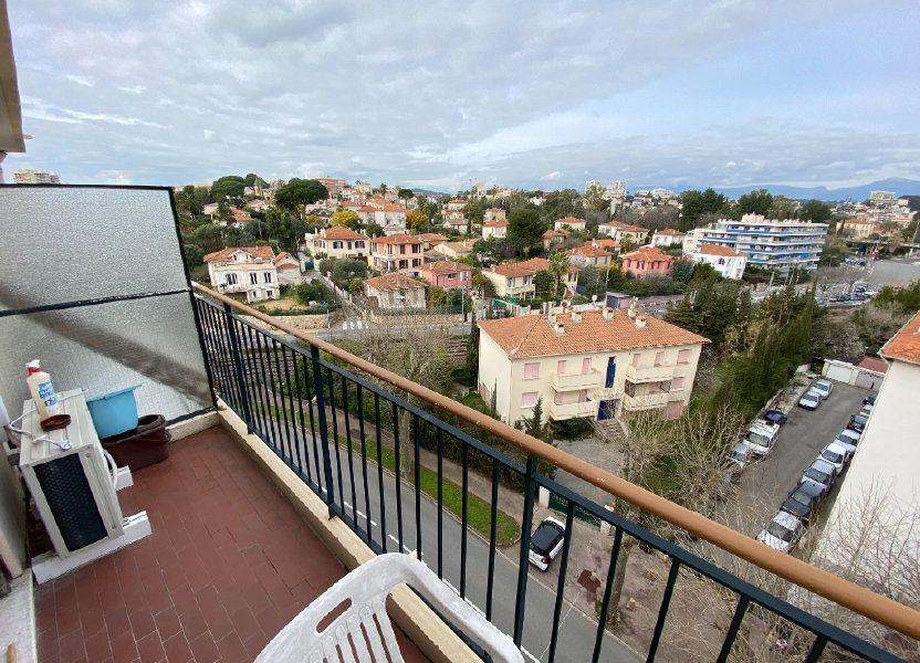 Appartement à louer 62.29m2 à Antibes