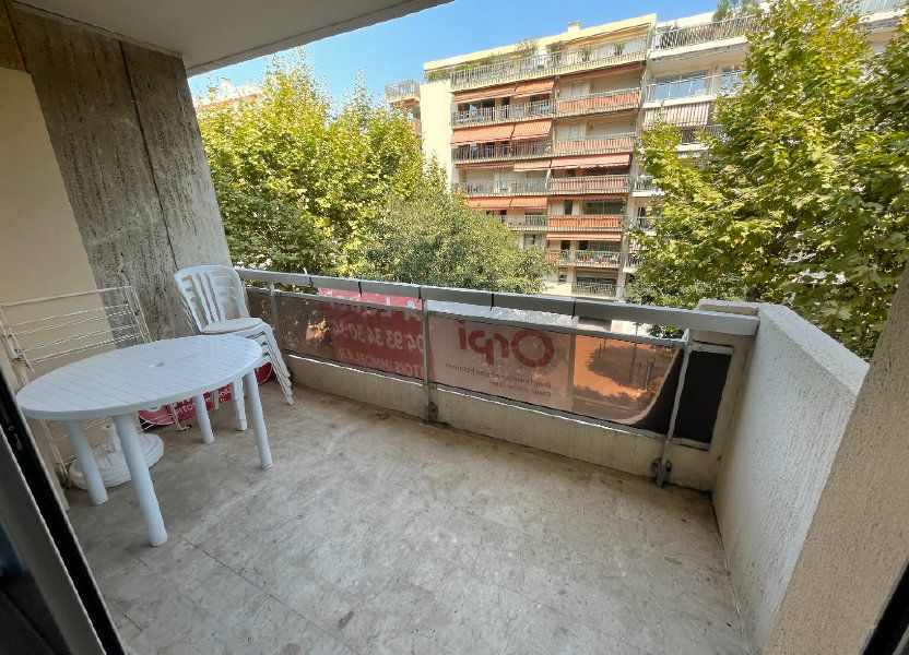 Appartement à louer 64.34m2 à Antibes
