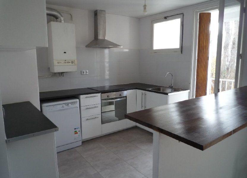 Appartement à louer 73.11m2 à Marseille 8