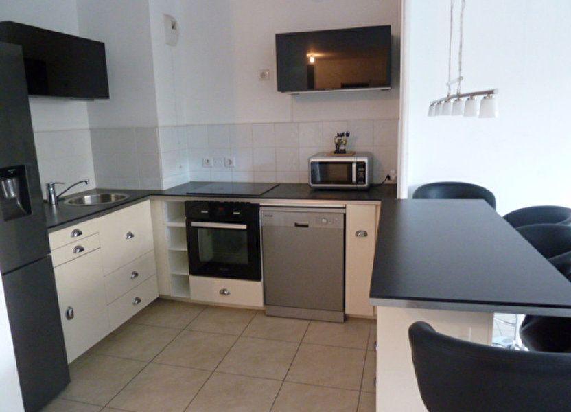 Appartement à louer 55.94m2 à Marseille 8