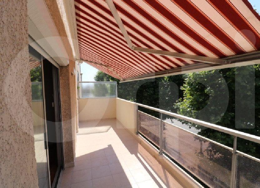 Appartement à louer 72m2 à Marseille 8