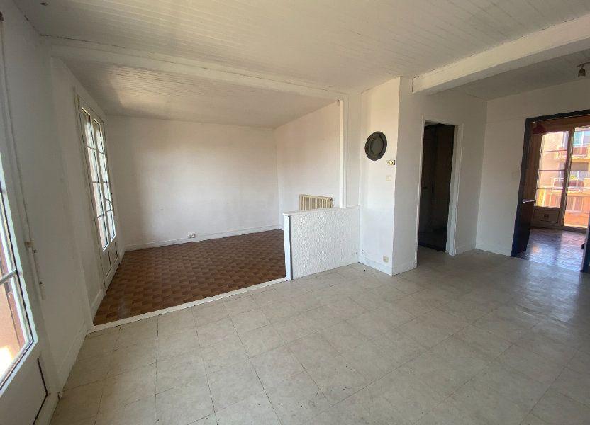 Appartement à louer 62.44m2 à Marseille 8