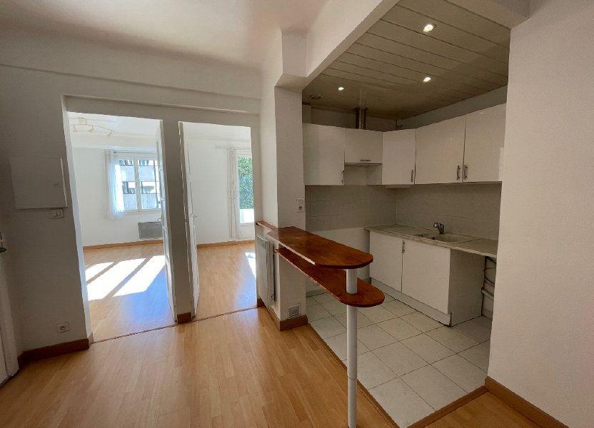 Appartement à louer 50m2 à Marseille 8