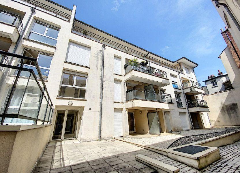 Appartement à louer 64.1m2 à Orléans