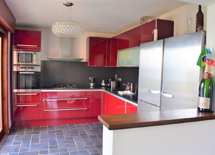 Appartement à louer 117.67m2 à Reignier-Ésery