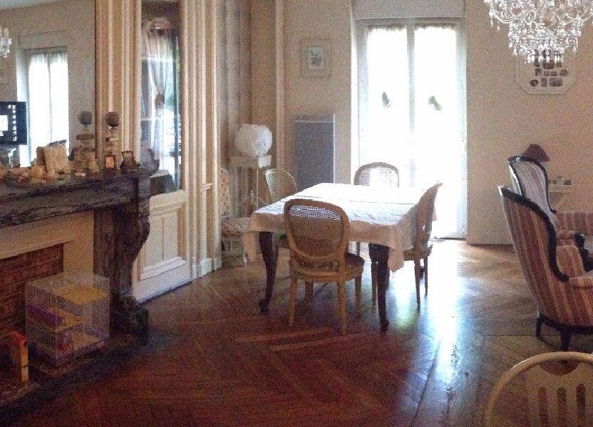 Appartement à louer 87m2 à Saint-Léger-du-Bourg-Denis