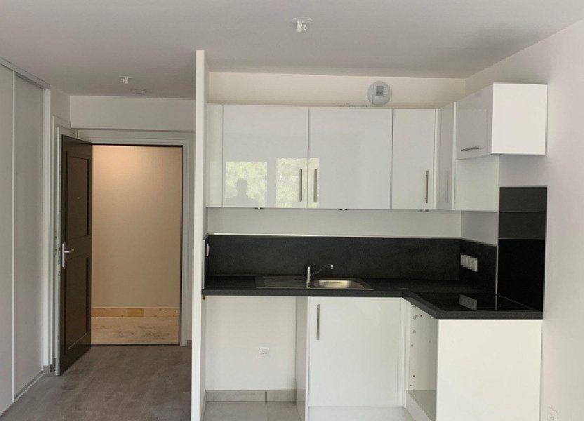 Appartement à louer 57.1m2 à Saint-Léger-du-Bourg-Denis
