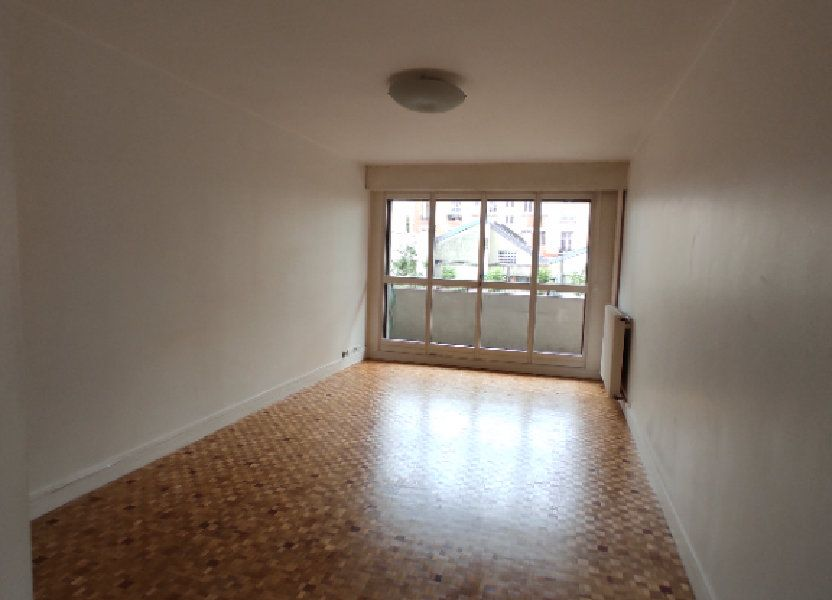 Appartement à louer 58m2 à Paris 20