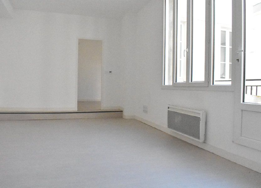 Appartement à louer 43.5m2 à Rochefort