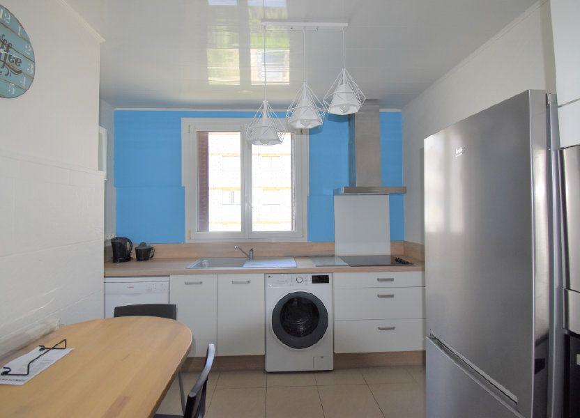 Appartement à louer 62.93m2 à Lyon 8