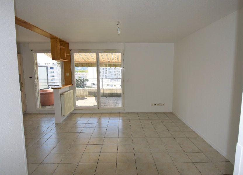 Appartement à louer 76.43m2 à Lyon 8
