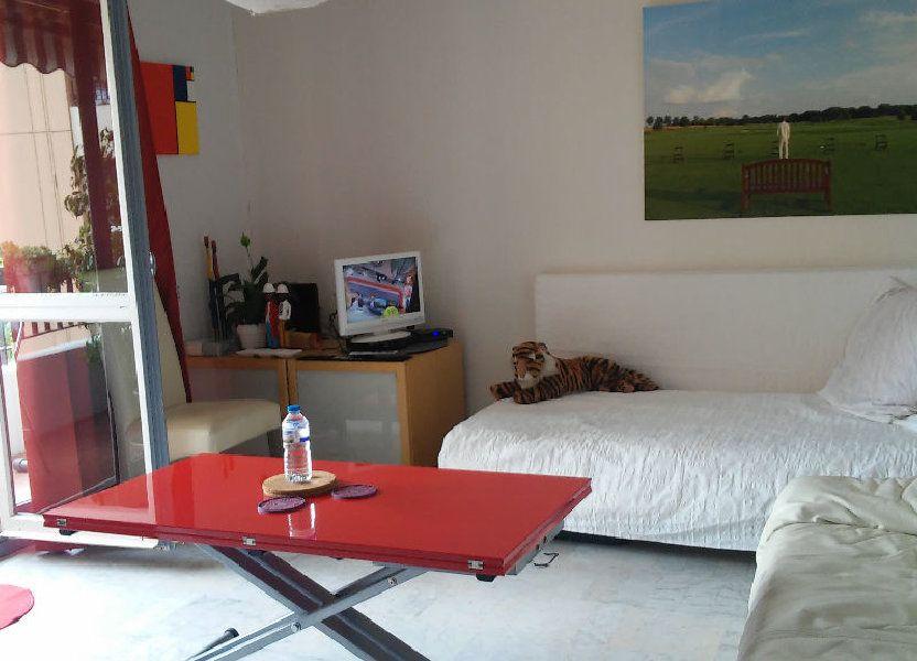 Appartement à louer 44m2 à Cannes