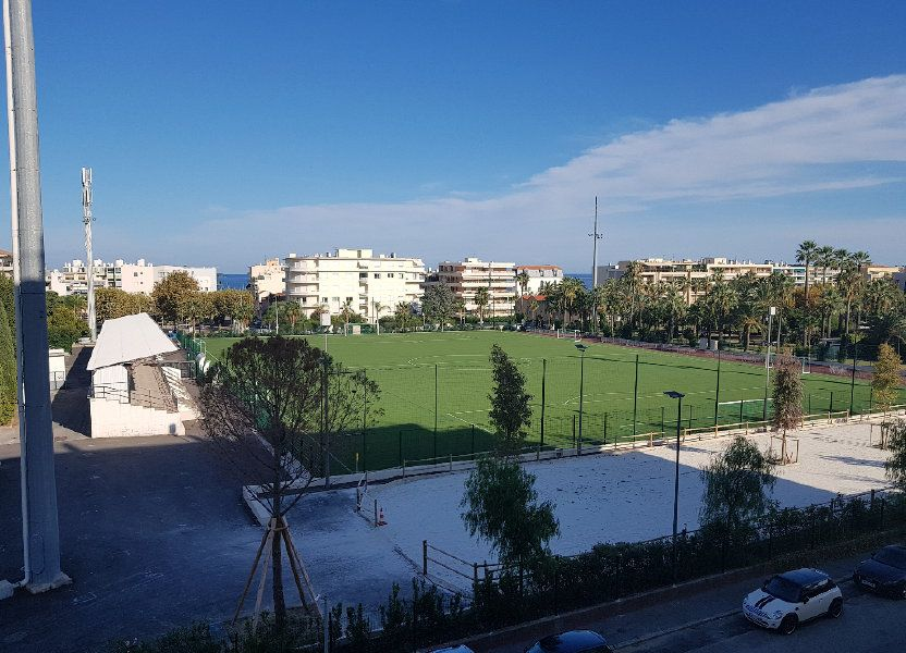 Appartement à louer 32.76m2 à Cannes