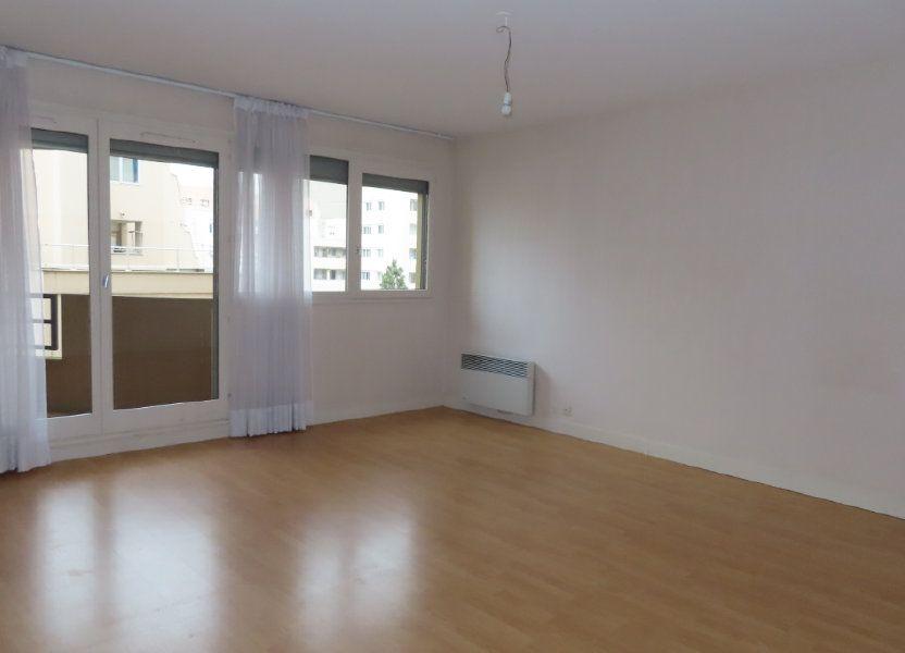 Appartement à louer 72.21m2 à Vanves