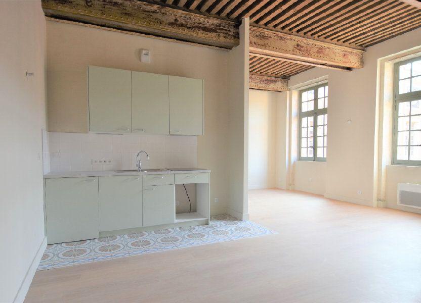 Appartement à louer 76.67m2 à Mâcon