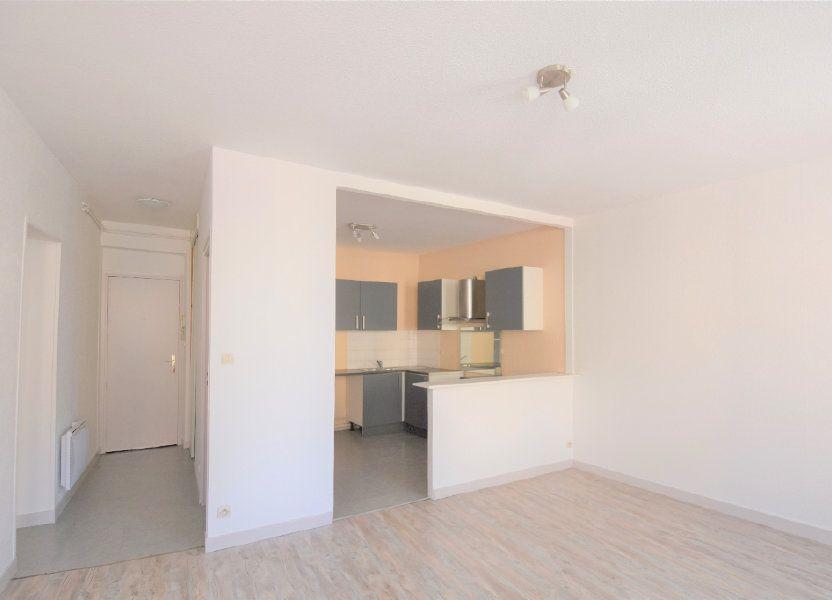 Appartement à louer 57.36m2 à Mâcon