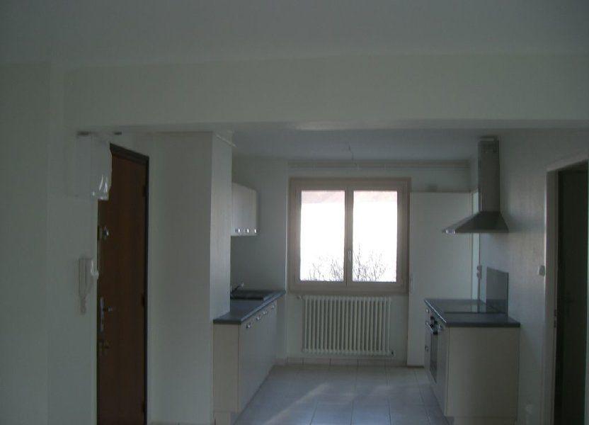 Appartement à louer 73.48m2 à Bourg-en-Bresse