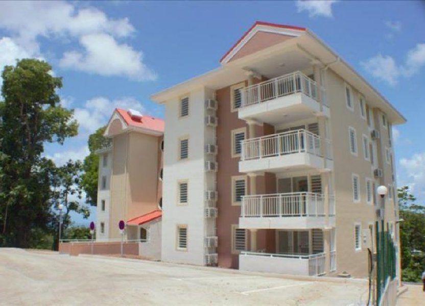 Appartement à louer 65.49m2 à Fort-de-France