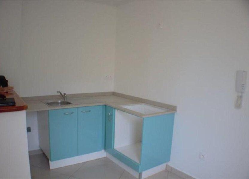 Appartement à louer 65.45m2 à Fort-de-France