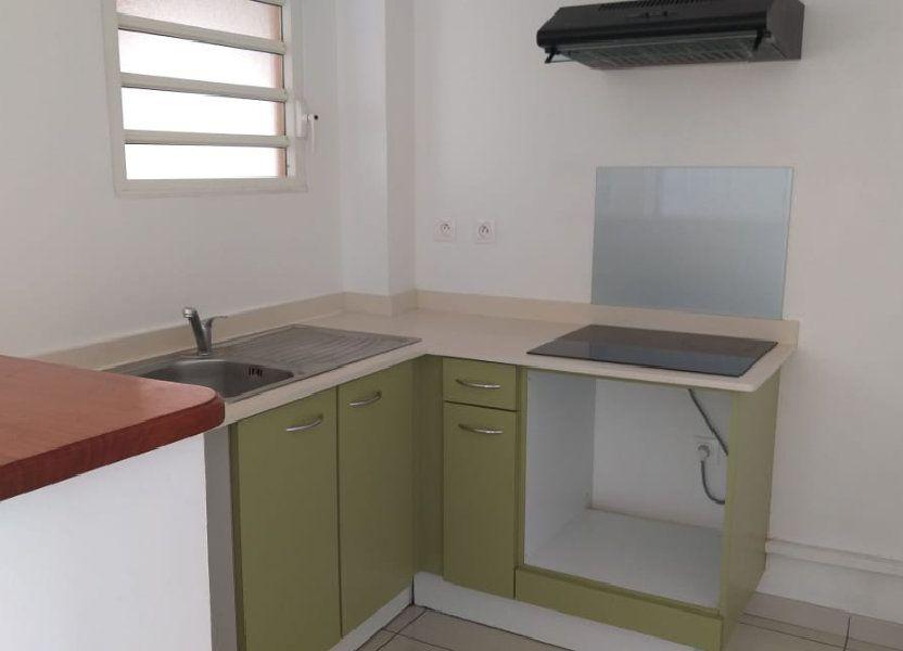 Appartement à louer 43.62m2 à Fort-de-France
