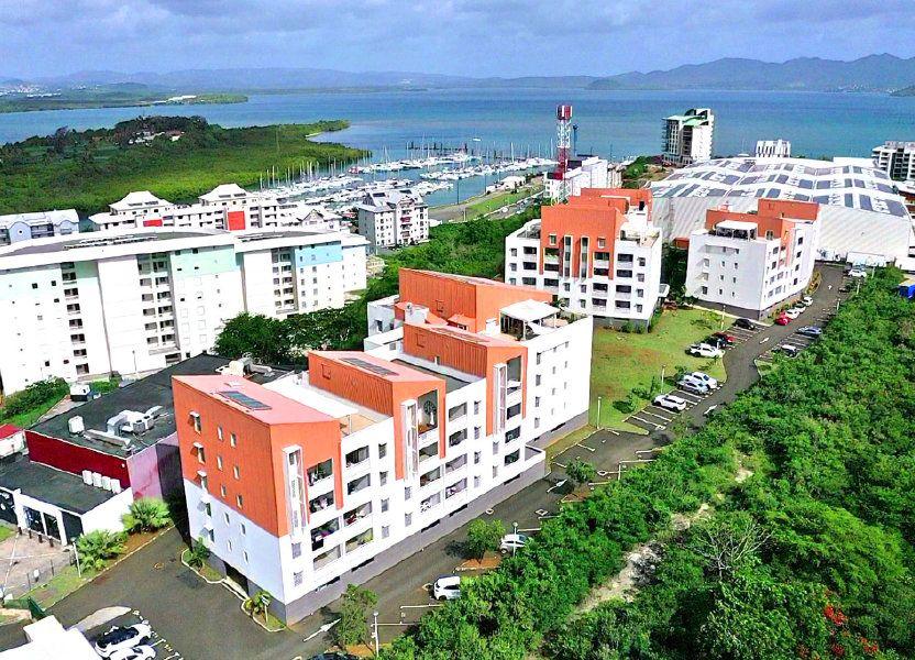 Appartement à louer 80.86m2 à Fort-de-France