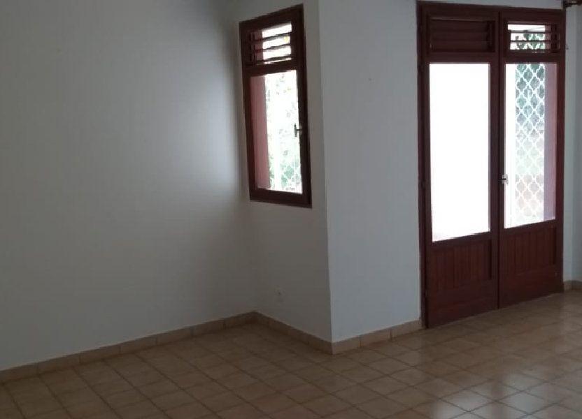 Appartement à louer 38.7m2 à Ducos
