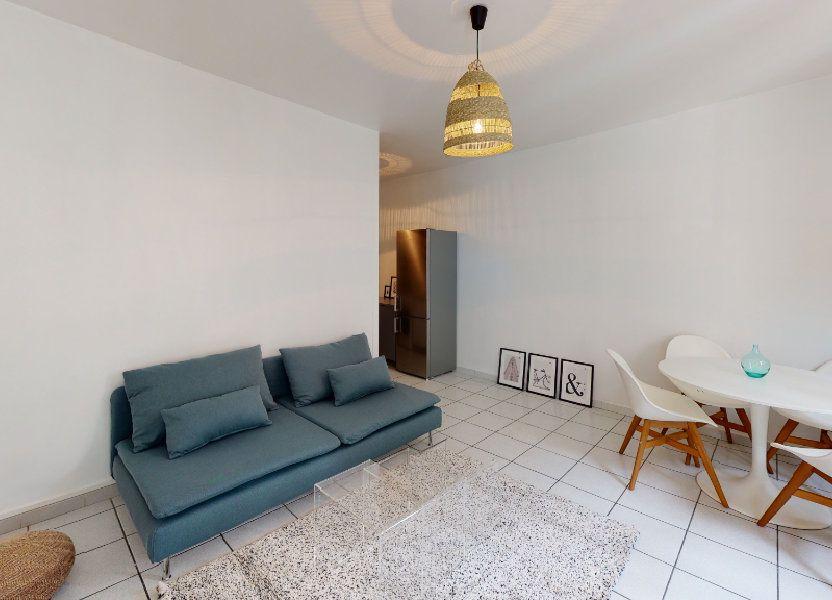 Appartement à louer 79.02m2 à Saint-Étienne
