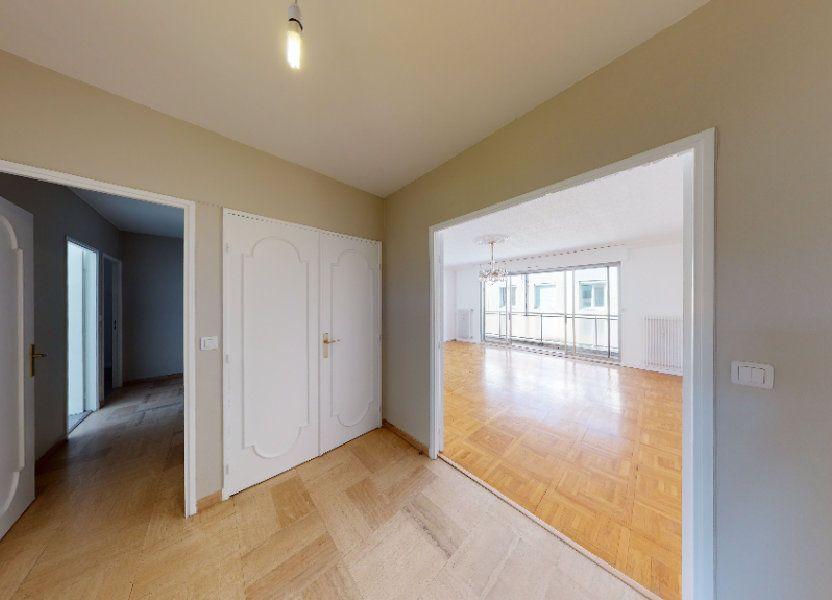 Appartement à louer 99.71m2 à Saint-Étienne