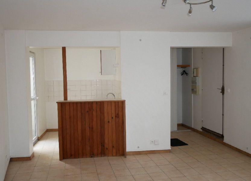 Appartement à louer 47.99m2 à Chambry