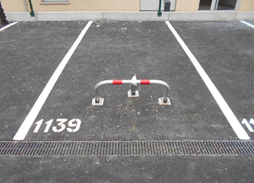 Stationnement à louer 56m2 à Brie-Comte-Robert