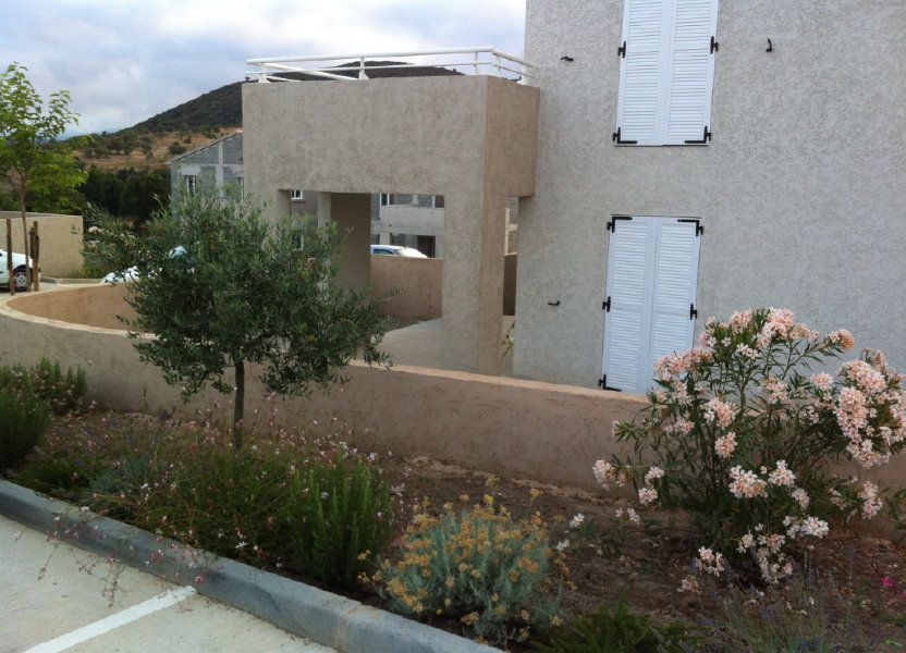 Appartement à louer 48m2 à Oletta