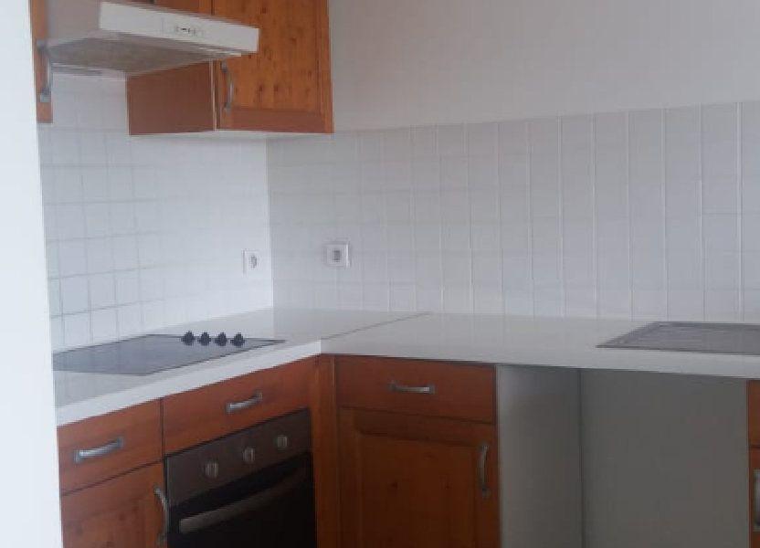 Appartement à louer 65.86m2 à Fort-de-France