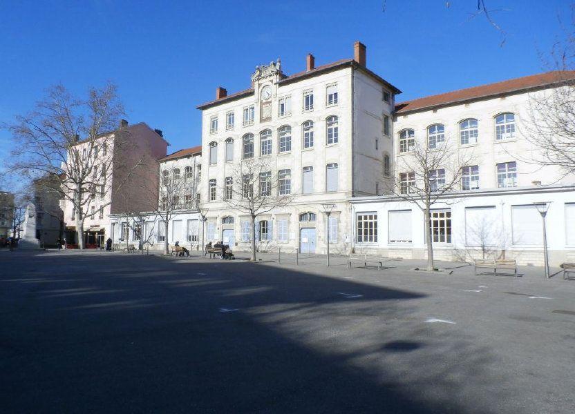 Appartement à louer 78.39m2 à Lyon 8