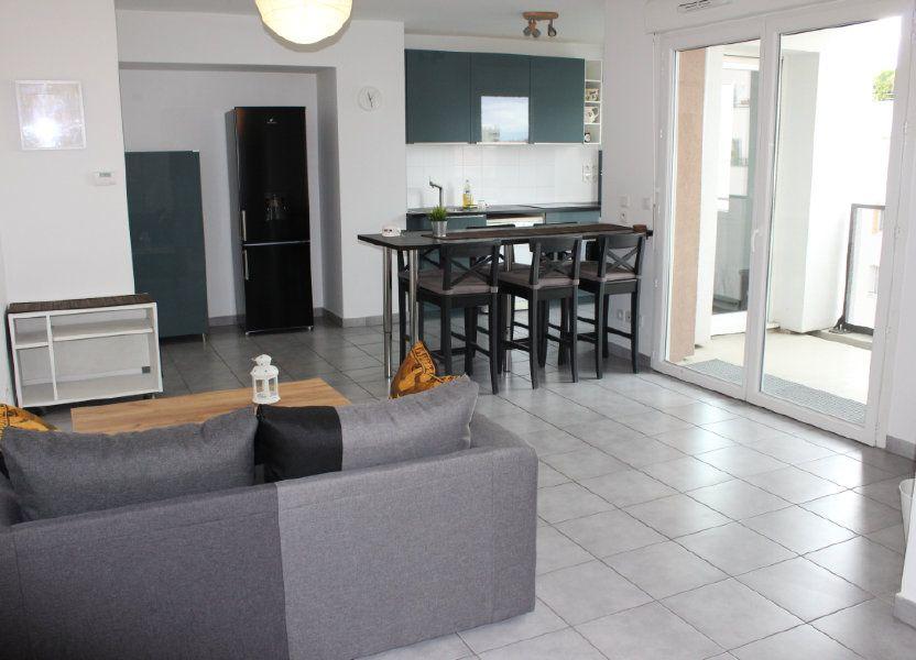 Appartement à louer 60.86m2 à Vénissieux