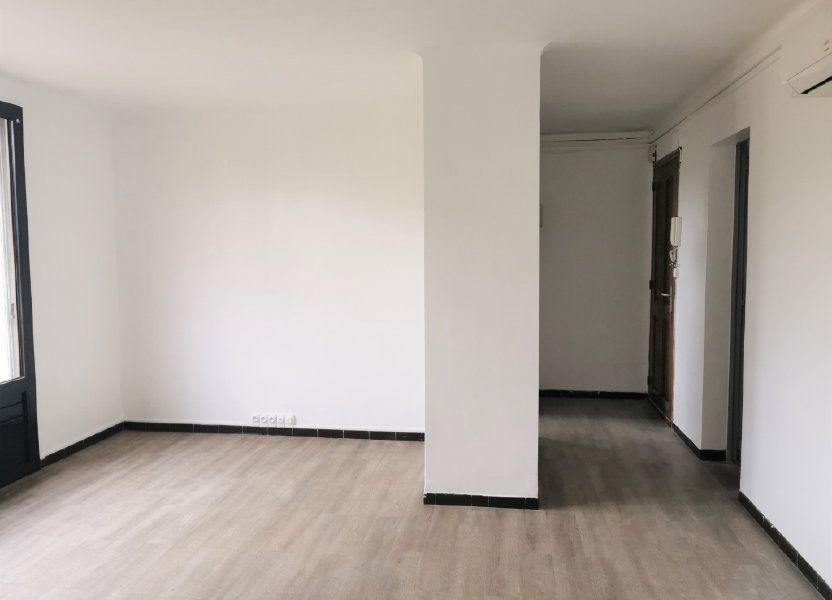 Appartement à louer 64.29m2 à Nîmes