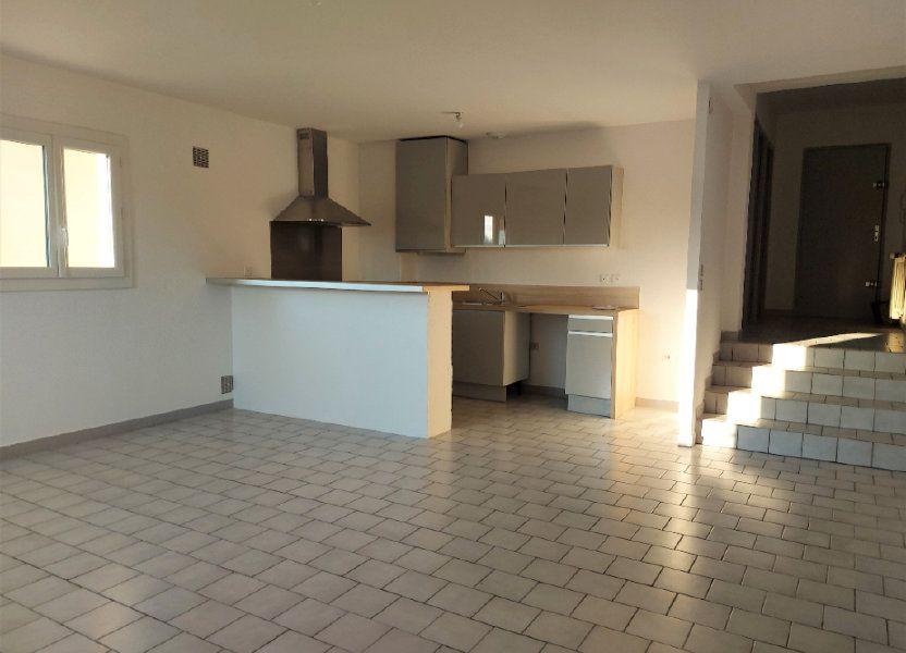 Appartement à louer 67.78m2 à Nîmes