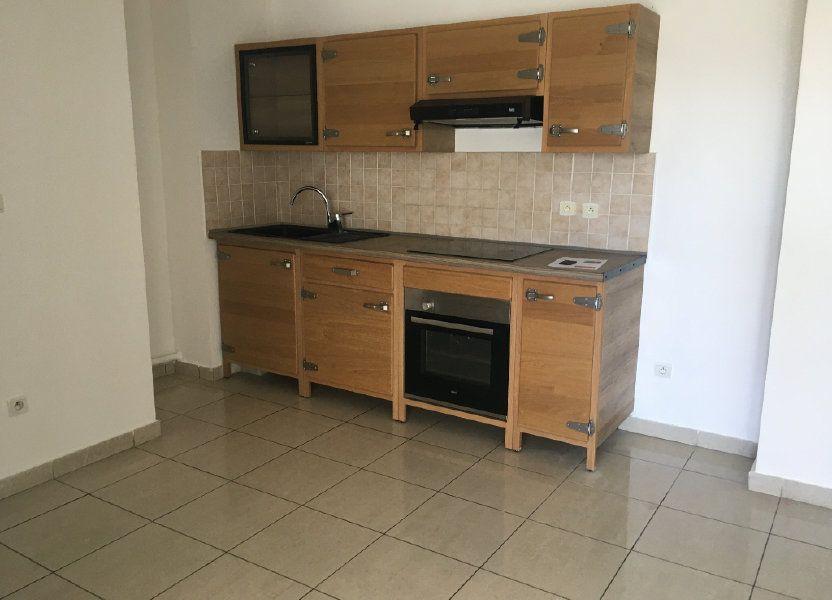 Appartement à louer 47.49m2 à Saint-Benoît