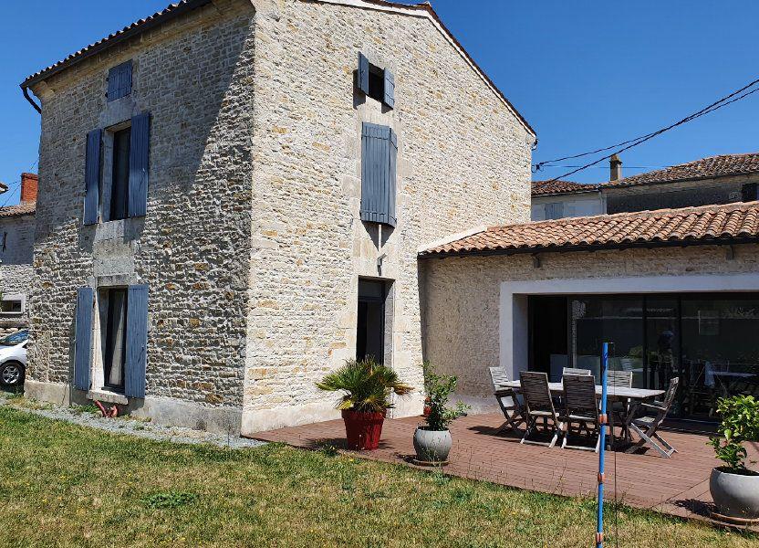 Maison à vendre 140m2 à Saint-Hilaire-la-Palud