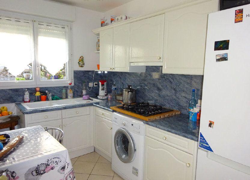 Appartement à louer 59.6m2 à Évry