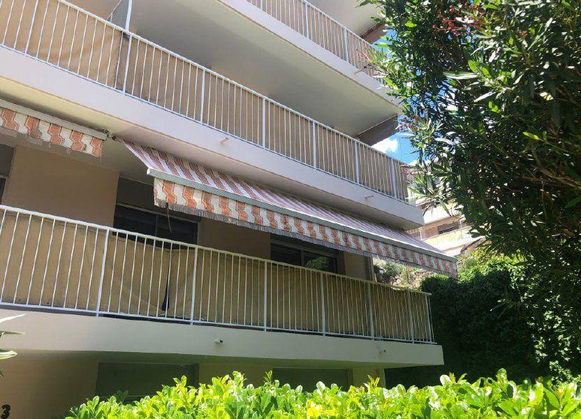 Appartement à louer 56m2 à Grasse