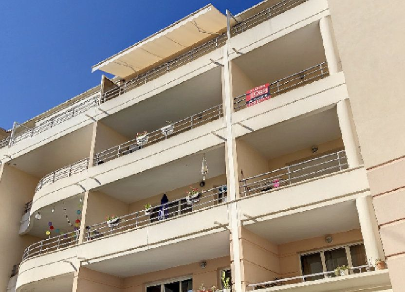 Appartement à louer 67.21m2 à Vallauris