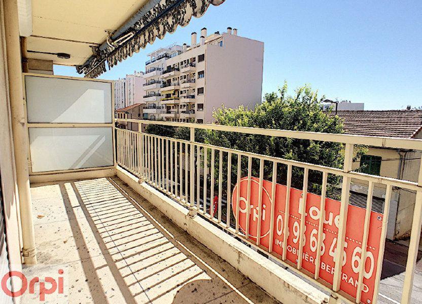 Appartement à louer 65.39m2 à Antibes