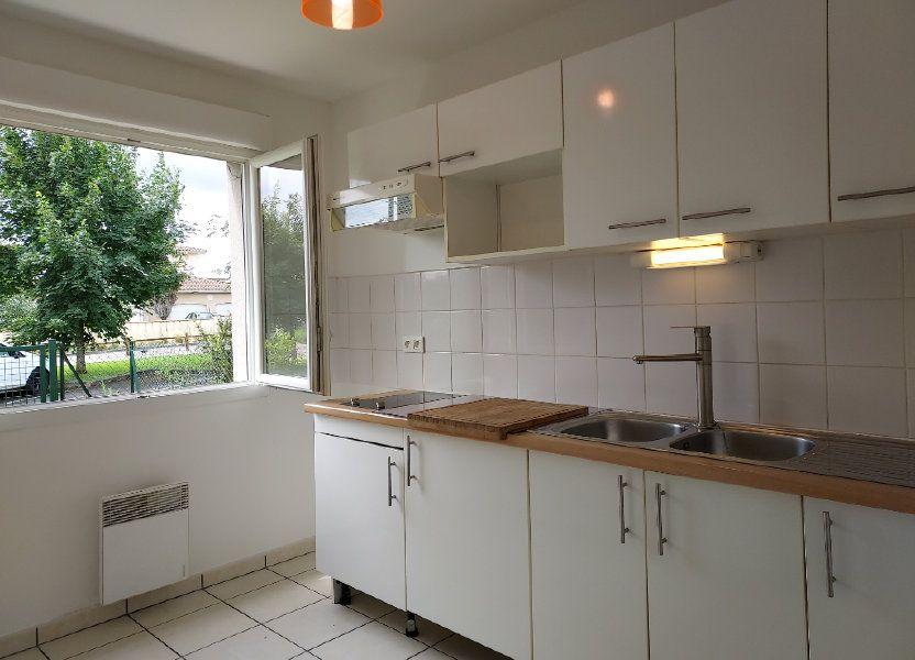 Appartement à louer 47m2 à Montussan