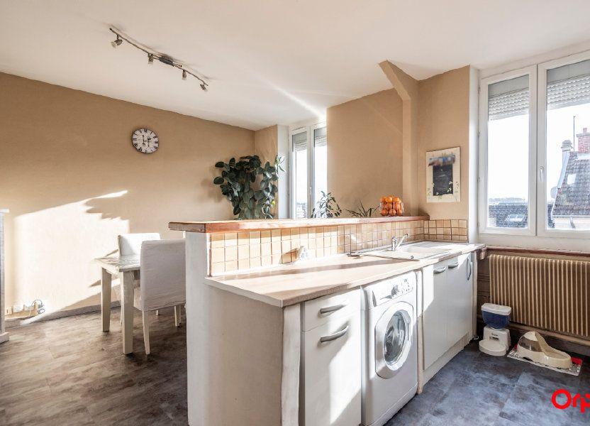 Appartement à louer 56.85m2 à Reims