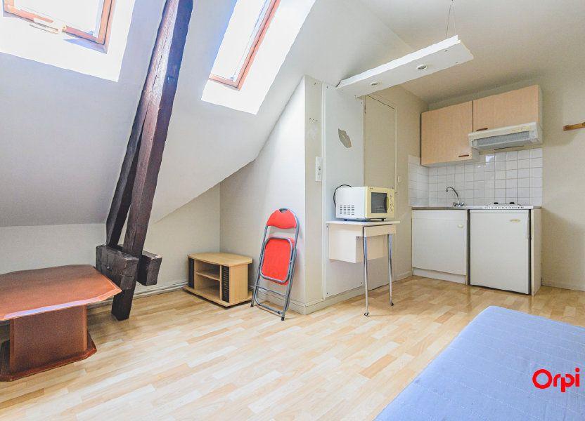 Appartement à louer 12.5m2 à Tinqueux