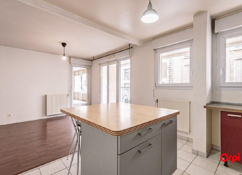 Appartement à louer 74.88m2 à Reims
