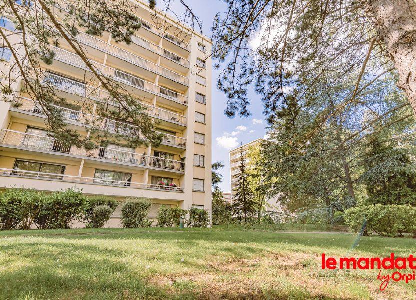Appartement à louer 57.66m2 à Reims