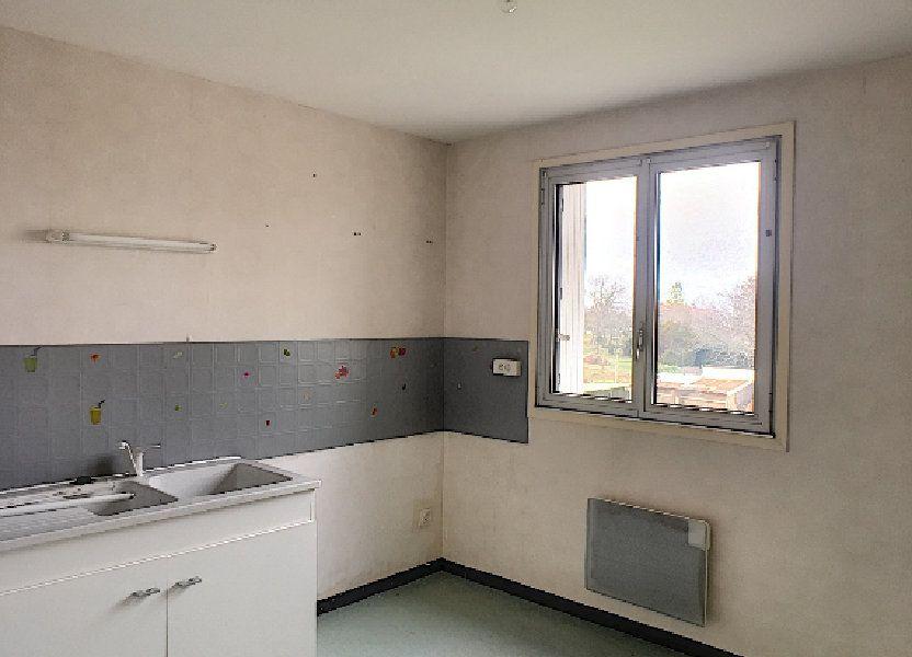 Appartement à louer 97m2 à Néris-les-Bains