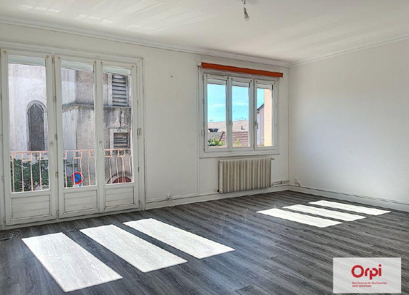 Appartement à louer 75m2 à Commentry